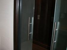 puerta-de-interior-vidrio-templado-10mm-matesistema-corredero-escondidofoto1.jpg
