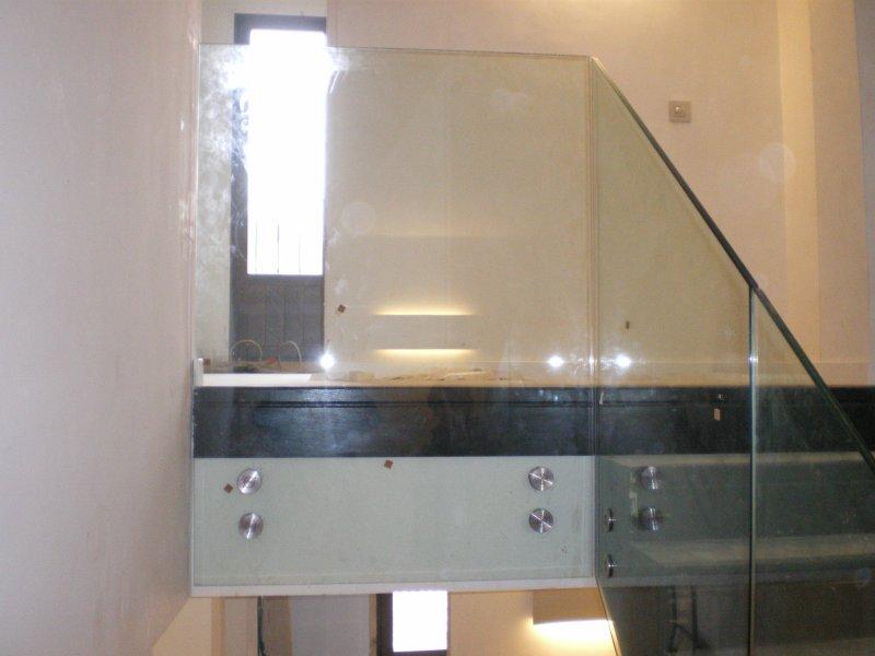 Escaleras barandillas y pasarelas de vidrio cristaleria - Escaleras con barandilla de cristal ...