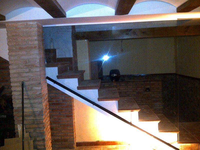 Escaleras barandillas y pasarelas de vidrio cristaleria galindo teruel - Cerramientos de vidrio para interiores ...